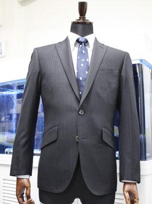 シングルスーツ
